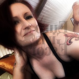 Felixine outcall escort in Dickinson