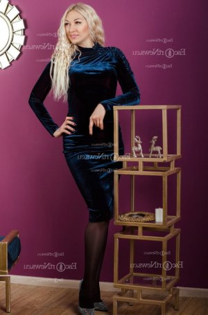 Jenyfer independent escort