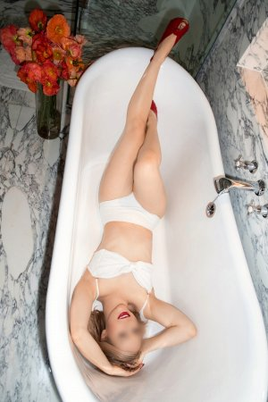 Marie-vincente escort girl