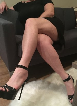 Denyse outcall escort in Haysville