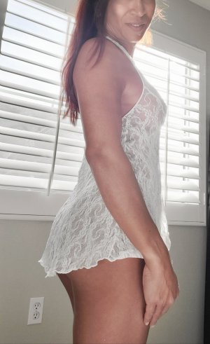 Louiza escorts in Fairfield