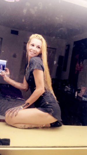 Wahiba call girl in Belleville IL