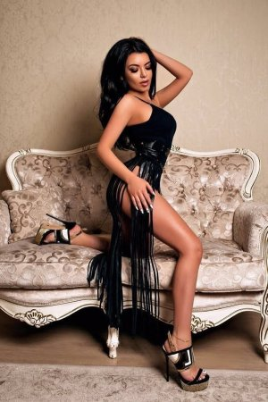Marie-bertille independent escort