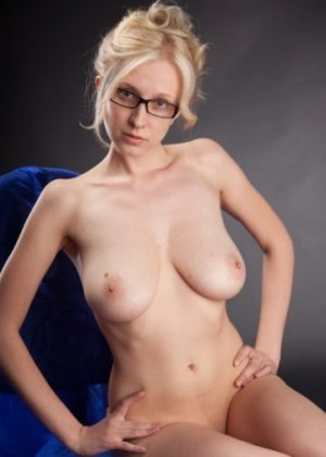 Laurencie escort